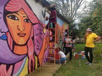 intervención artística en el centro de salud de El Tipal .